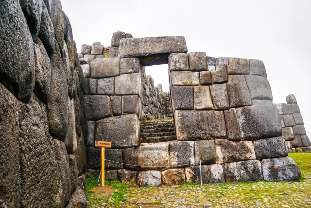 sacsayhuaman ruins out of cusco hike