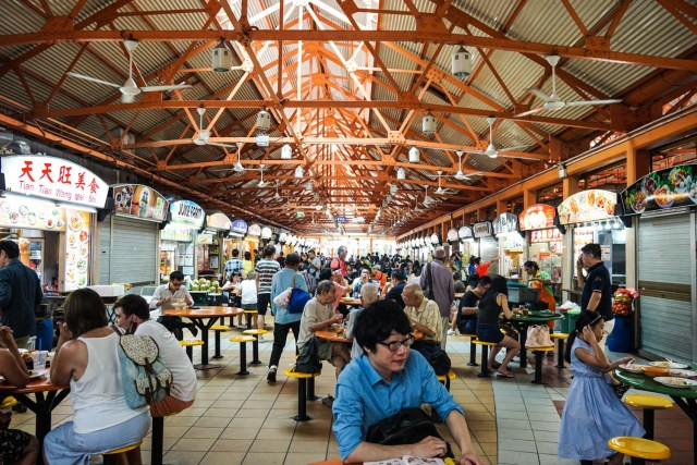 what to eat in singapore hawker hall food crawl maxwell food centre