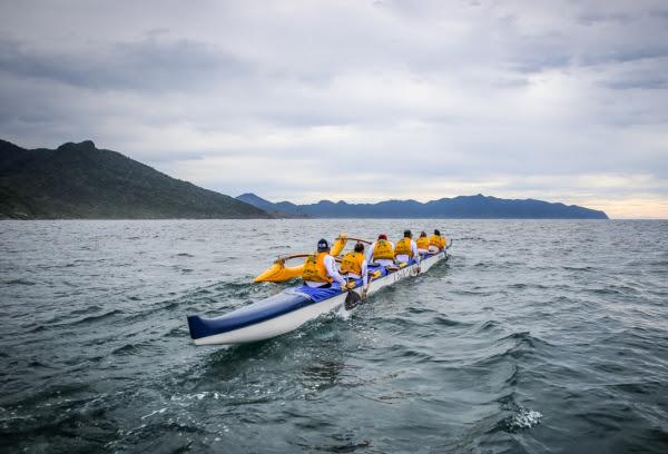 Com quase 30 canoas inscritas, Volta de Ilhabela chega à quarta edição