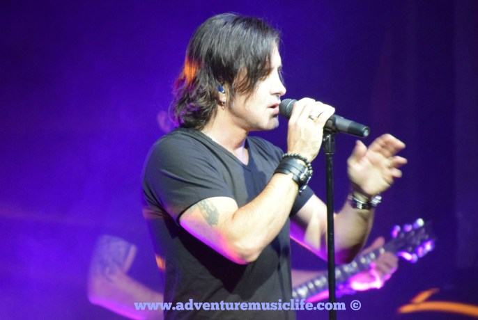 2002 Creed Concert Review featuring Scott Stapp