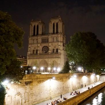 My Midnight in Paris – Historic Banks of the Seine