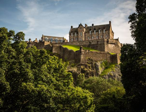 Edinburgh castle (©Leading Lines)