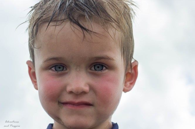 photographing kids for bright eyes