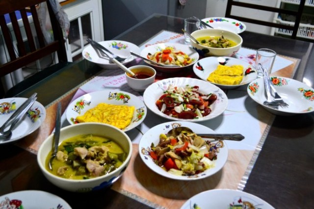 Bangkok homestay dinner