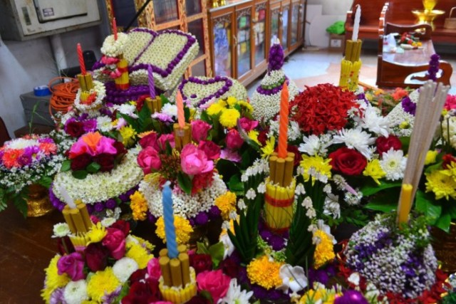Thailand teachers day flowers