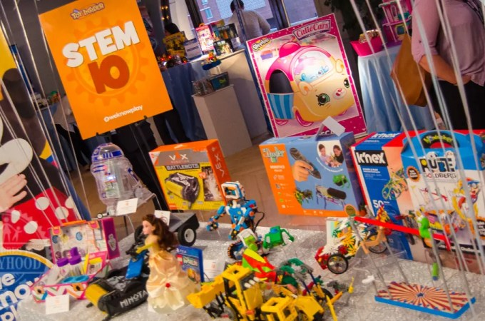 "Toy Insider Top ""STEM 10"" Toys of 2017"