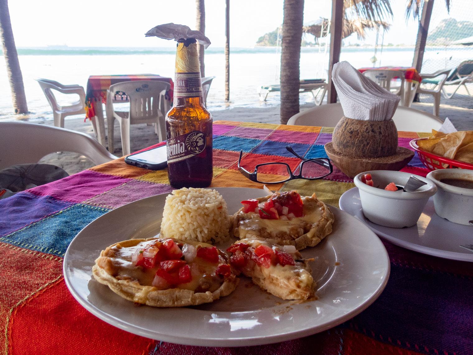 Sopes at Lety's, La Isla de la Piedra