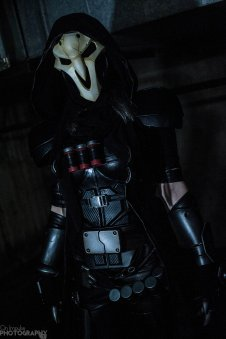 overwatch-reaper-cosplay-by-bloodraven-14