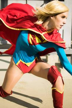 supergirl-cosplay-by-tali-xoxo-18