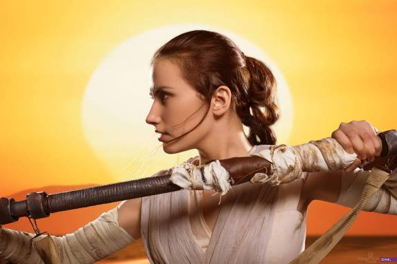 star-wars-the-force-awakens-rey-cosplay-by-narga-7