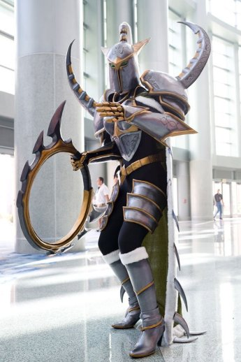 world-of-warcraft-maiev-shadowsong-cosplay-by-mary-booth