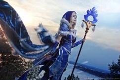 dota-2-crystal-maiden-cosplay-by-akina-gasai-8