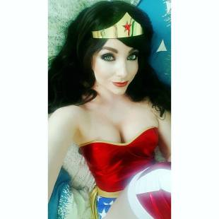 wonder-woman-by-cosplay-butterfly-4