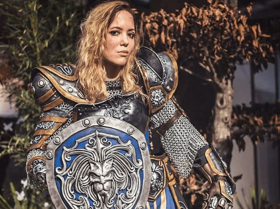 World of Warcraft: Stormwind Guard cosplay by Minana