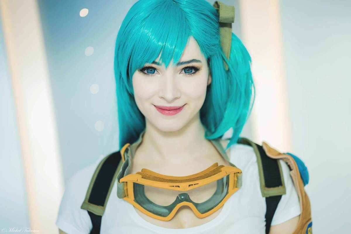 Dragonball: Bulma cosplay by Enji-Night