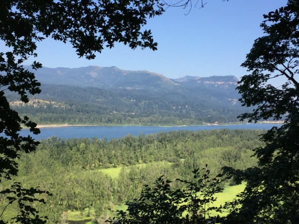 mountain views from oneonta trails in oregon