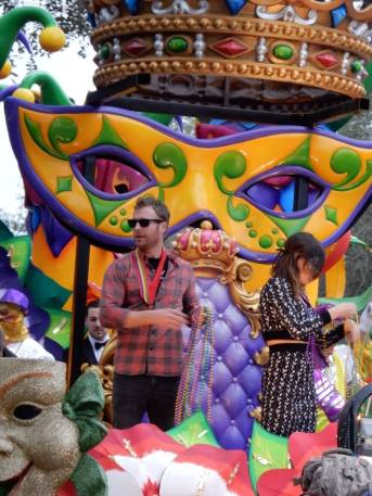 Celebrities come from all over to get a chance to ride in a Mardi Gras parade in New Orleans. Here Dierks Bentley gets a chance of a lifetime to experience Mardi Gras. Learn how to experience mardi gras here at adventuresofb2.com