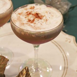 Say hello to your new favorite Christmas cocktail! This fun cocktail has swirls of creamy chocolate with kahlua, and cinnamon flavors too. Serve this alcoholic drink for dessert at your next holiday party!
