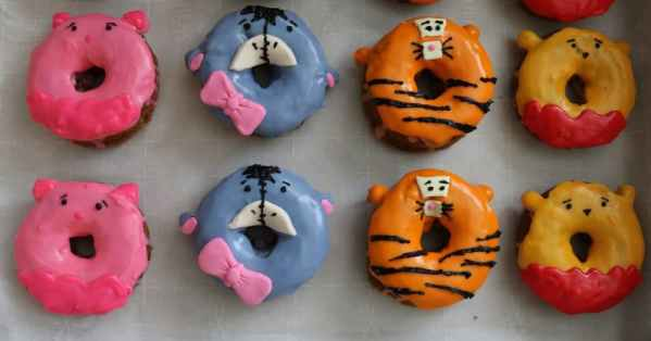 Create the cutest donuts of one of your favorite childhood movies, Winnie the Pooh. Capture the magic of all his friends including piglet, tigger, and eeyore too in these simple step by step instructions for how to make winnie the pooh doughnuts.- adventuresofb2.com