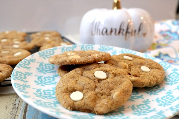 Crispy edges, chewy inside. These White Chocolate Pumpkin Chai Snickerdoodle cookies are a fantastic combination of pumpkin, cinnamon, white chocolate and chai spices. a cozy fall dessert with delicious flavors- adventuresofb2.com
