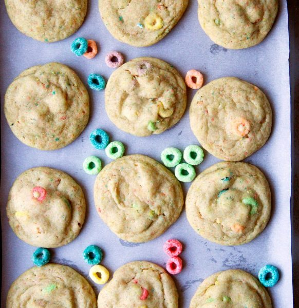 Froot Loop sugar cookies are a nice alternative to the regular sugar cookies and mixing in your favorite cereal. Try this and other froot loop cereal recipe and craft ideas at adventuresofb2.com