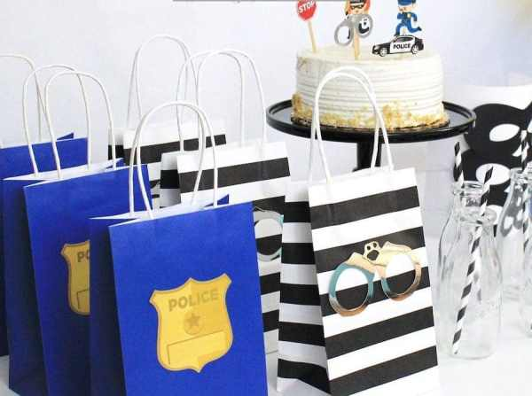 Police themed party favor bags! Dress up your simple bags with cops and robbers theme! Send your guests home with these cute yet simple police themed bags! See more ideas at adventuresofb2.com