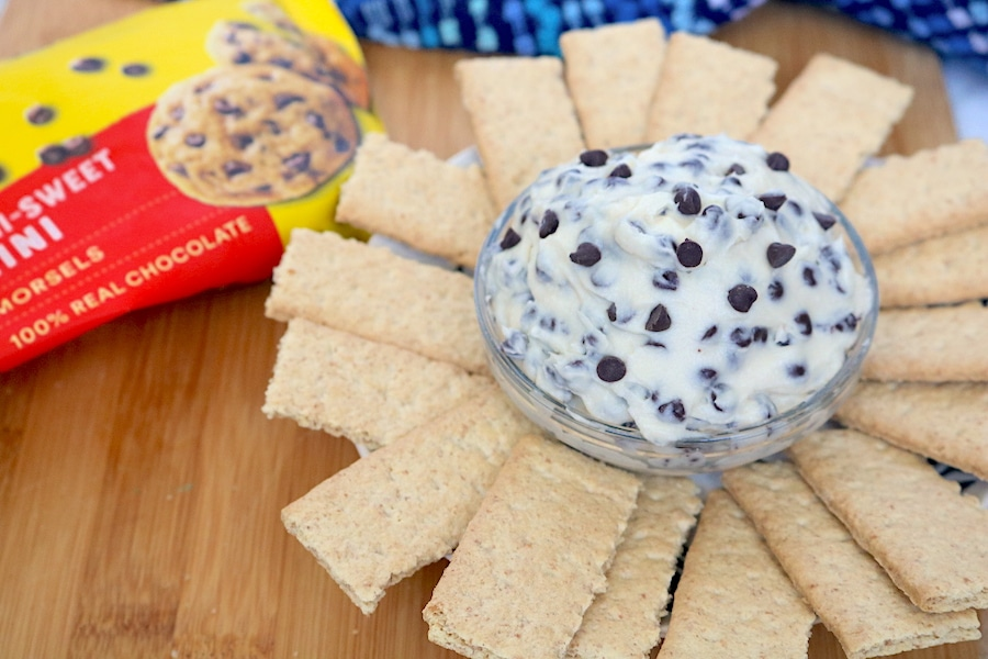Chocolate Chip Dip is a the perfect no bake dessert that is so easy to make. Whip this up quick for any party that all your guest will surely love! - adventures of b2