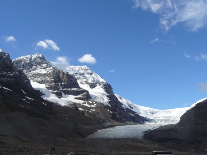 Clear skies over Mt. Andromeda and the Athabasca Glacier. Time for Lupe to go climb Parker Ridge to see the Saskatchewan Glacier!