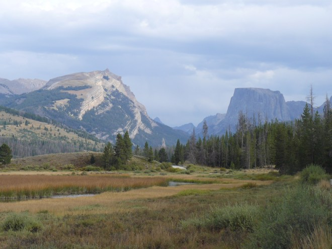 Squaretop Mountain at the NW end of the Wind River range in Wyoming. Photo looks SE.