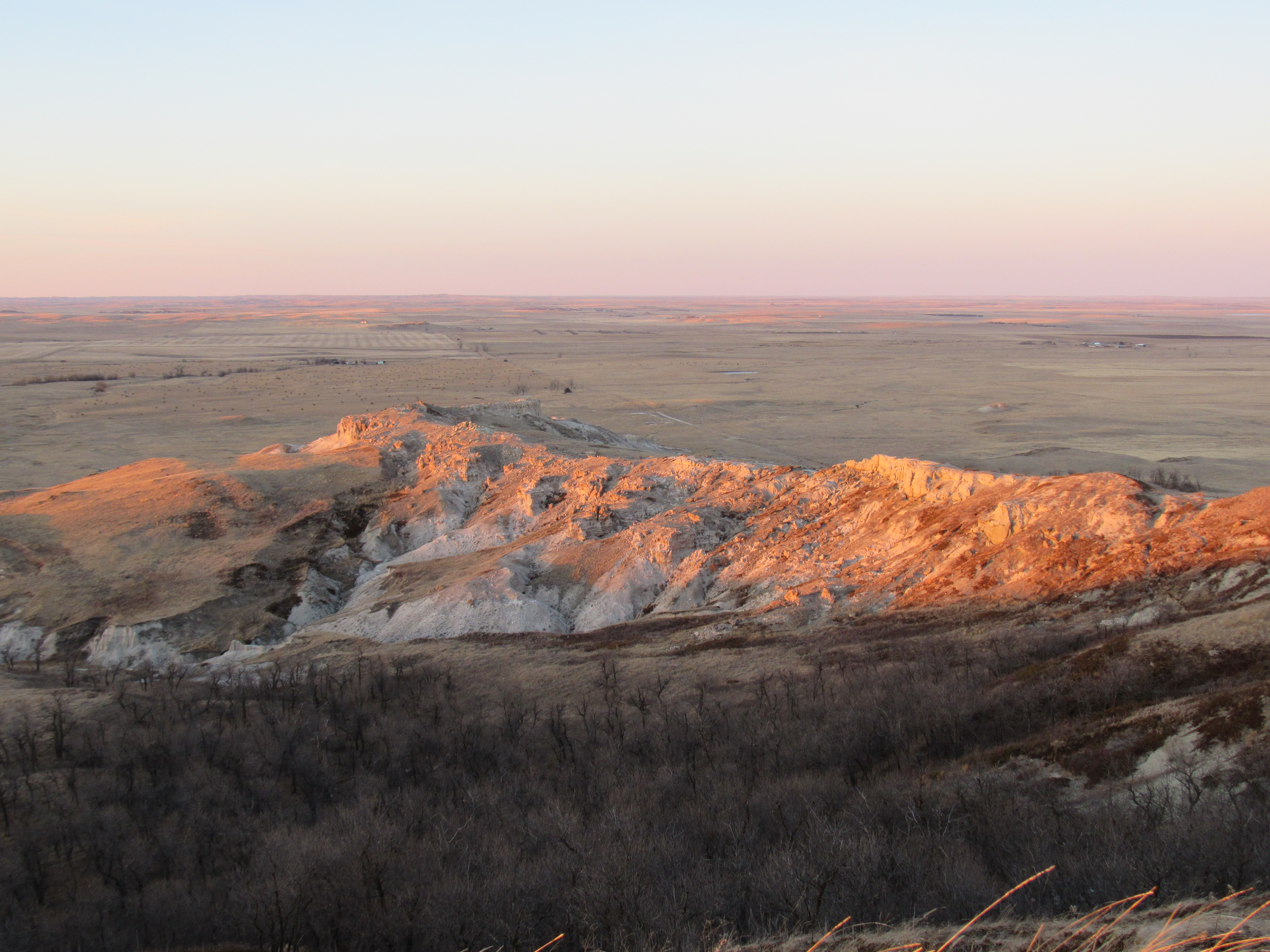 2016 north dakota the mostly true adventures of lupe the n ridge of white butte in the last rays of sunlight looking ne from publicscrutiny Image collections