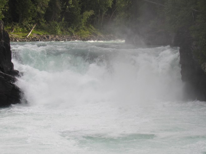 Overlander Falls is one of two significant waterfalls on the Fraser River. The other one is Rearguard Falls farther downstream.