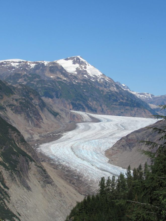 Impressive as it is, this first part of the glacier to come into view is only a small part of the whole Salmon Glacier.