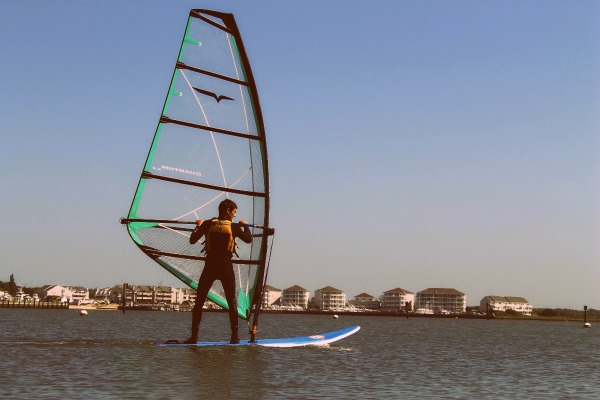 Setting up a windsurf board is easier than you think