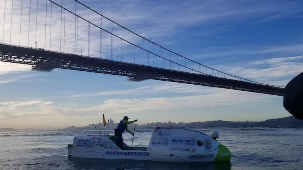 De Le Rosa Attempts Standup Paddling's First Pacific