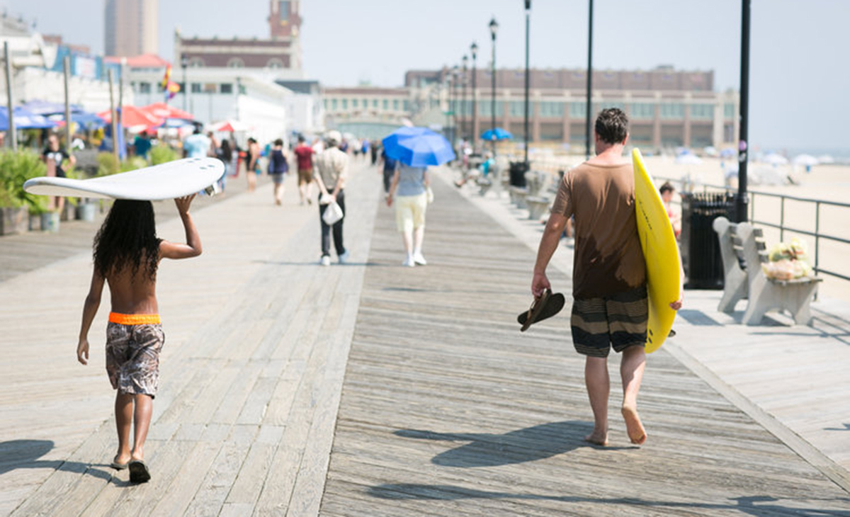 Making the Case for Volunteering With a Surf-Based Outreach Organization