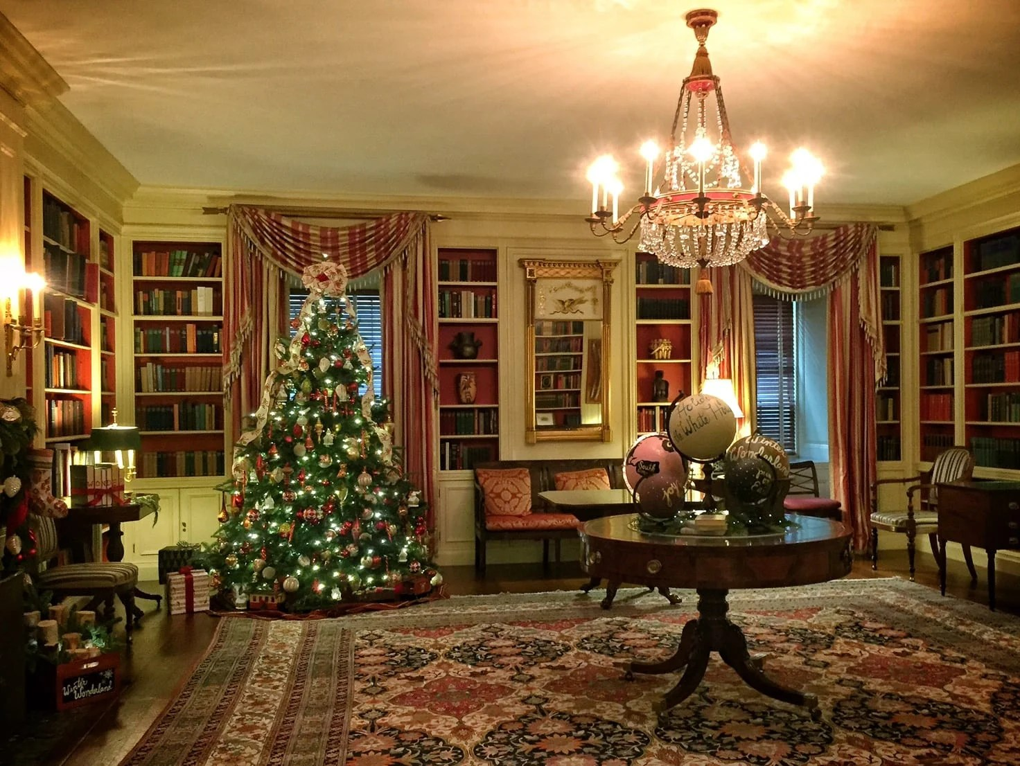 Visiting The White House During Christmas Adventurous