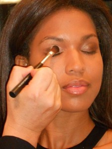 All About the Eye: Chase Aston's Holiday Makeup Looks For The Body Shop @theBodyShopUSA