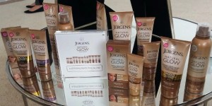 Jergens' Multi-Tasking, Natural Glow Self-Tanners Give You Fake Bake Without the Smell #JergensNaturalGlow @JergensInc #jergens