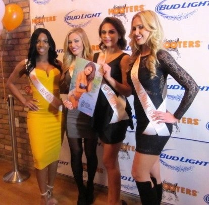 hooters calendar girls2