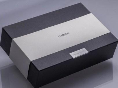 1more dual driver headphones presentation box