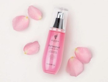 Younique Refreshed Rose Water