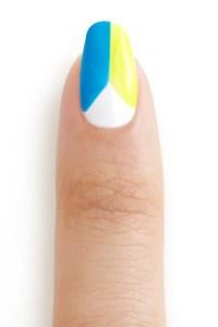nail art ESSIE NEON_BEACH_SUMMER_STEP_3