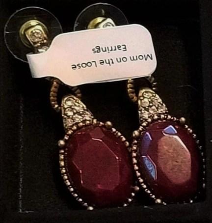 Mom on hte Loose earrings 7 Charming Sisters
