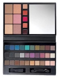 Grant Their Wish!  Avon's For the Love of Makeup Palette Is On Their List