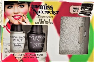 REACT top coat and base coat uses a patent-pending Gelish Infused Technology cures with natural light and that bonds with nail lacquer for up to 10-days of wear. The REACT Base Coathelps the color stick to your nails,while the REACT Top Coat sealsyour mani pedi with a high shine protective finish.