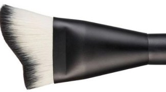face studio contour brush by Maybelline