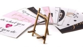 godl easel with inspirastional quotes form see jane work