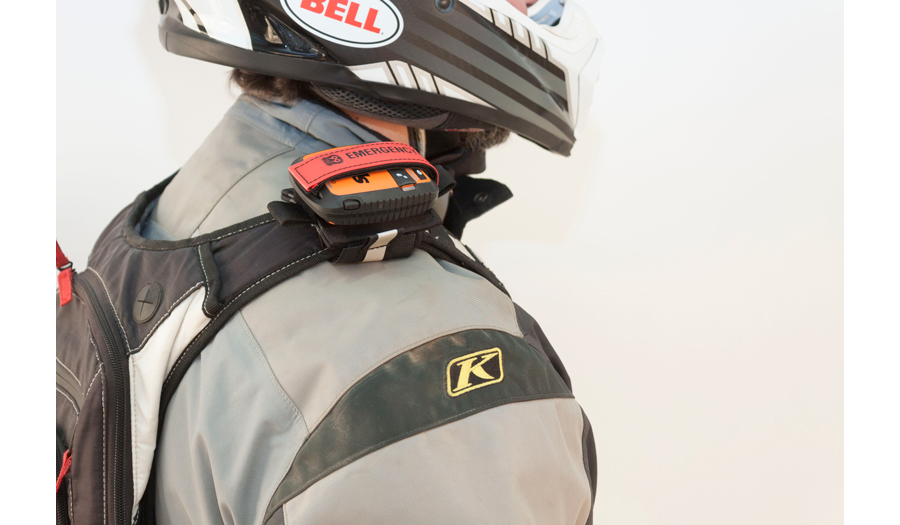 tracker-packer-shoulder-strap-closeup1