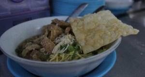 penjual mi ayam ganteng di Bandung