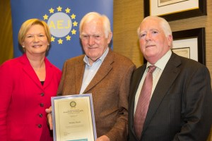 Wesley Boyd (centre) former Head of News, RTE with past Chairperson Eileen Dunne and current Chairman, Richard Moore, on recently being presented with Honorary Membership.